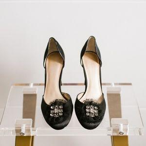 Simply Vera Wang Truffle Black Satin Heel 6.5